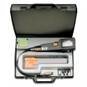Przyrząd do kontroli kompresji w silnikach benzynowych w pudełku z tworzywa sztucznego...