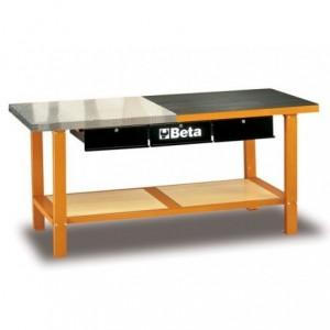 Stół warsztatowy z trzema szufladami i półką blat pokryty blachą aluminiową i gumą...